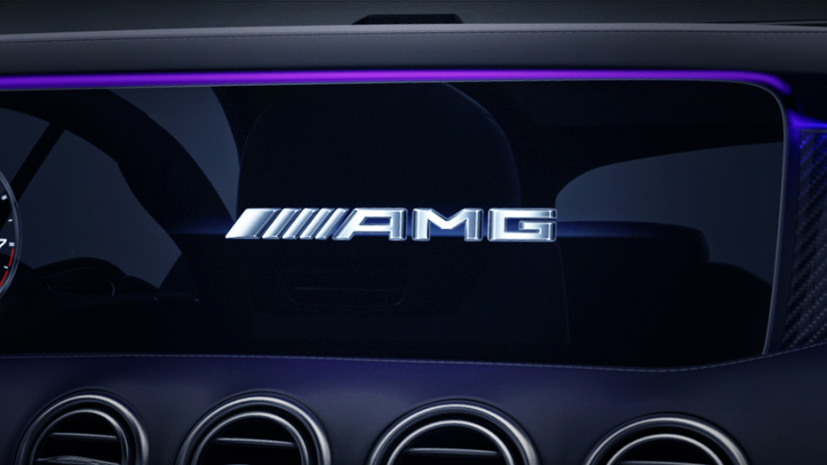 12.3-inch high-resolution central display AMG