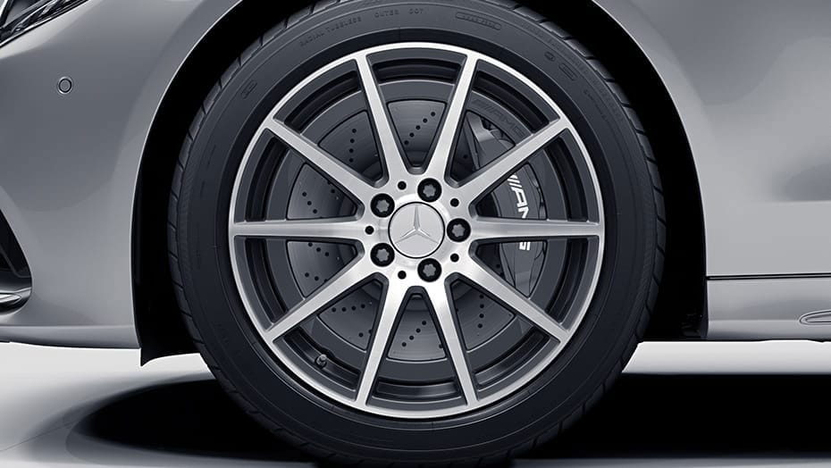 18-inch AMG 10-spoke aero wheels