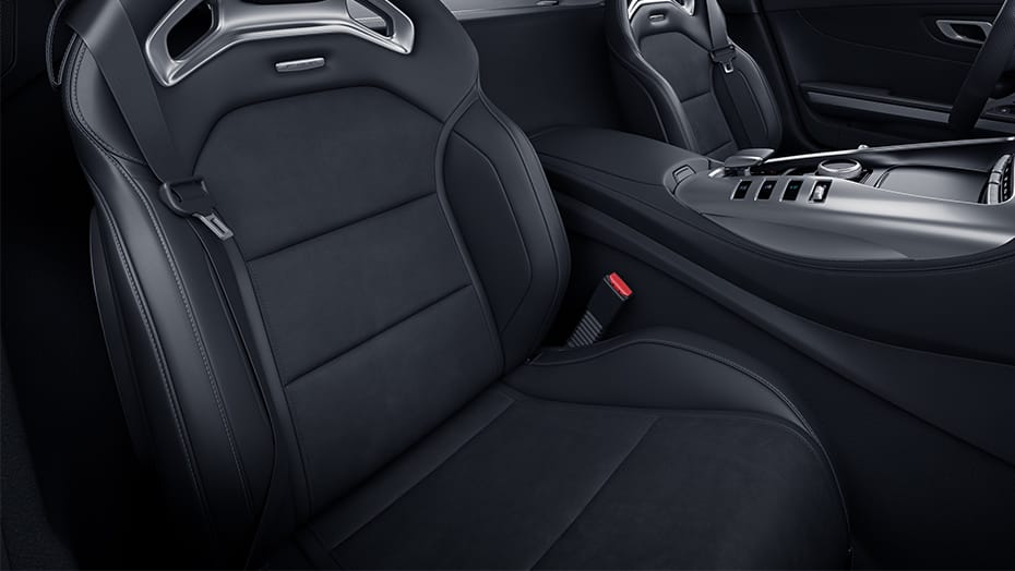 Heated power AMG Performance seats with memory