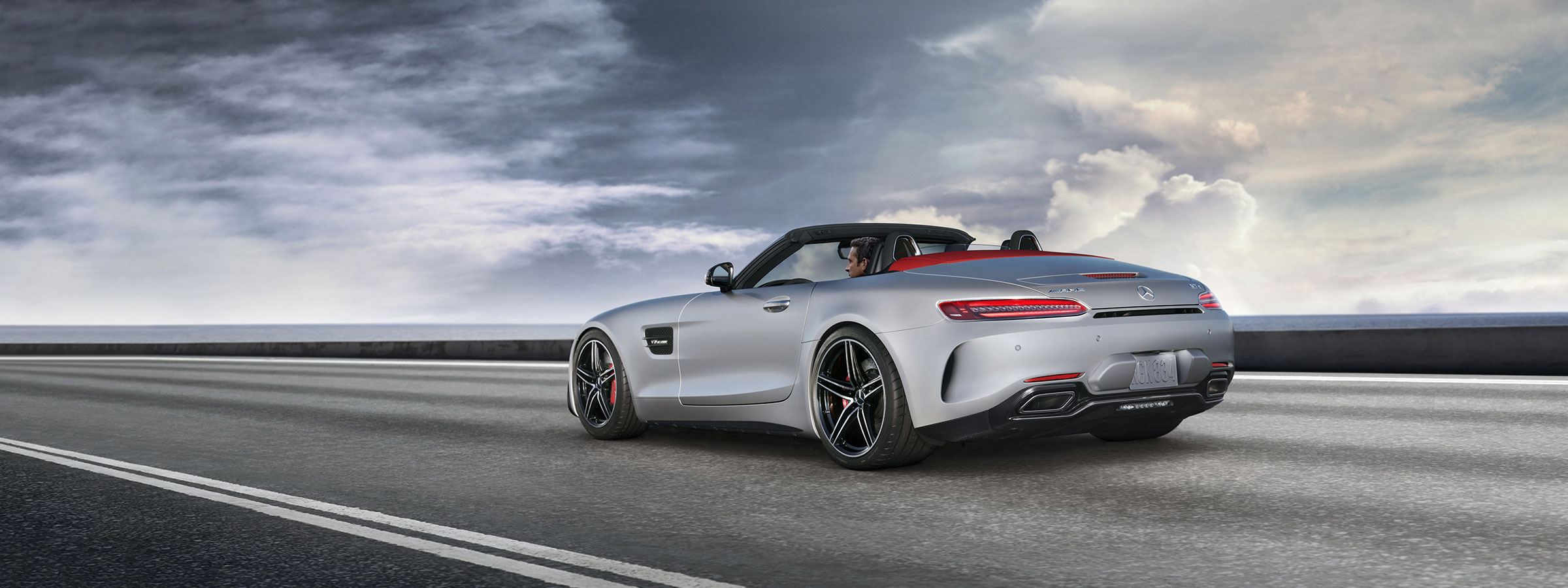 2018 mercedes amg performance gt roadster sports car for Mercedes benz sports cars